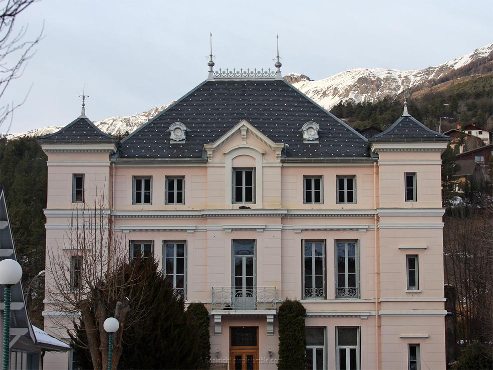 barcelonnette maison village