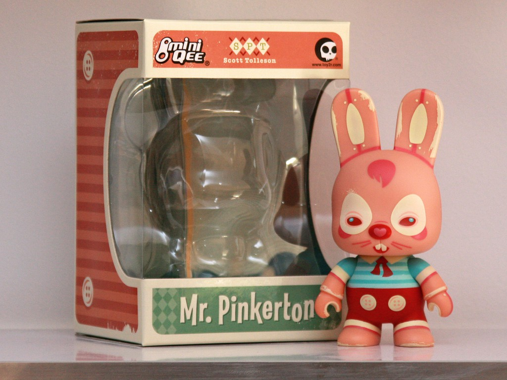 art toy mini qee mr pinkerton