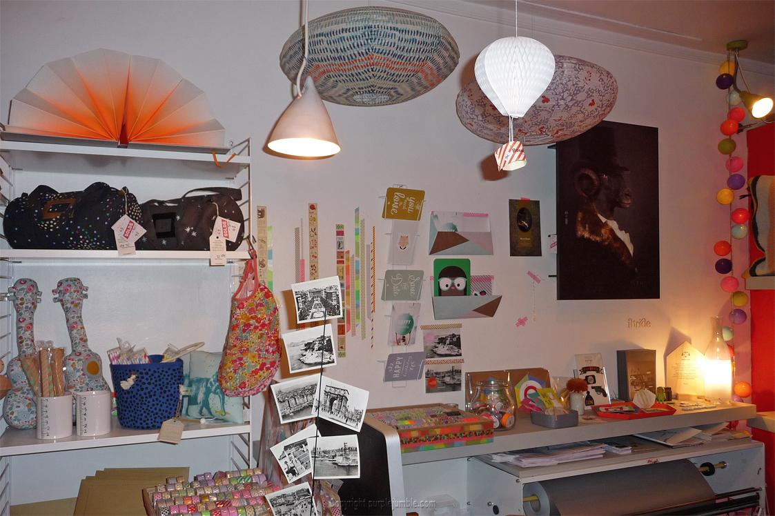 coup de c ur pour mobile de curiosites purple jumble. Black Bedroom Furniture Sets. Home Design Ideas