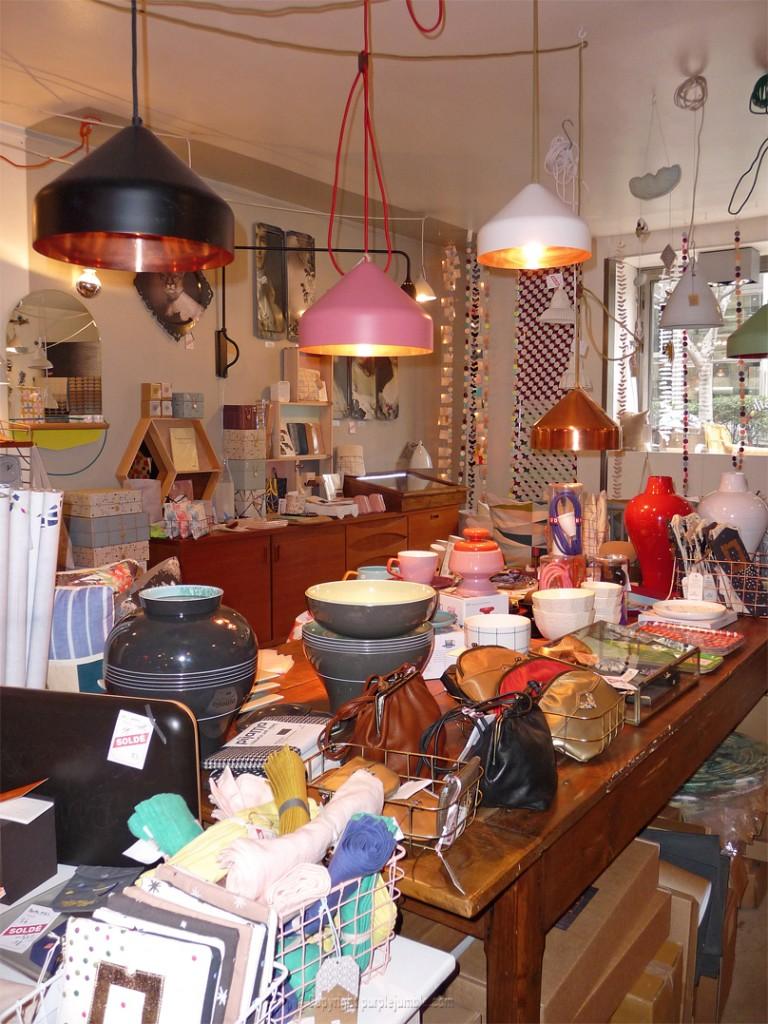 boutique mobile de curiosités Marseille