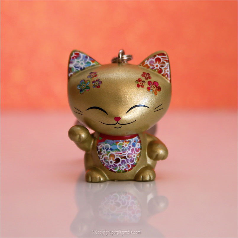 Mani the lucky cat figurines