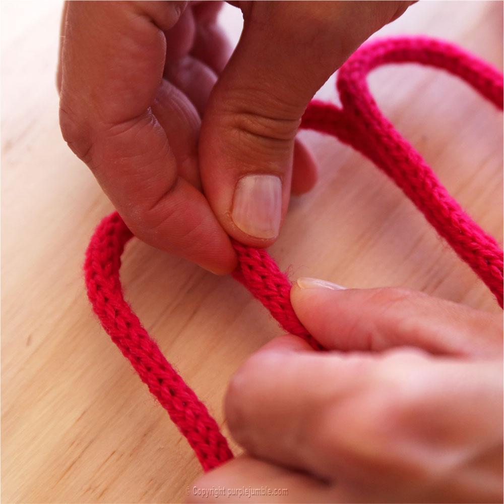 DIY nom en tricotin