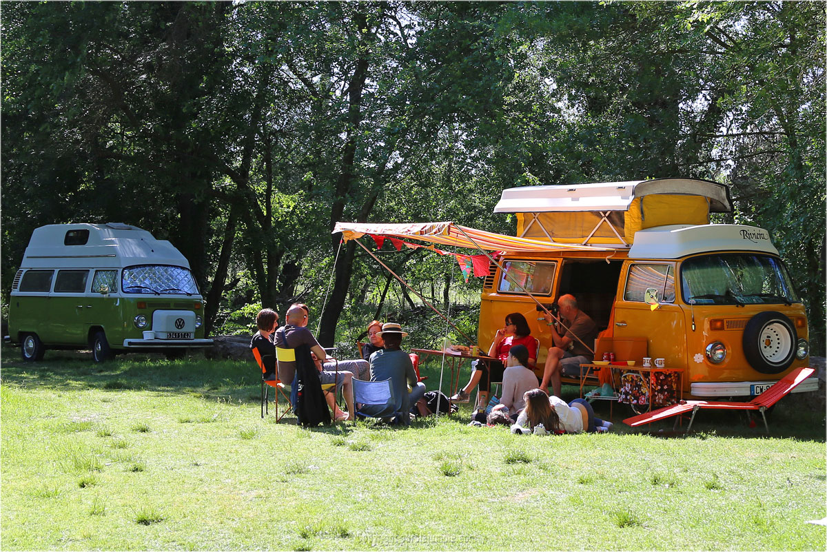 south vintage festival camping car combi vw