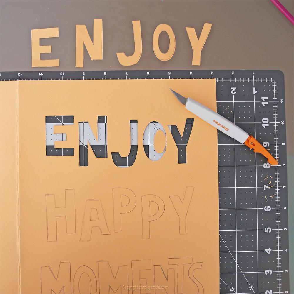 affiche enjoy happy moments découpage