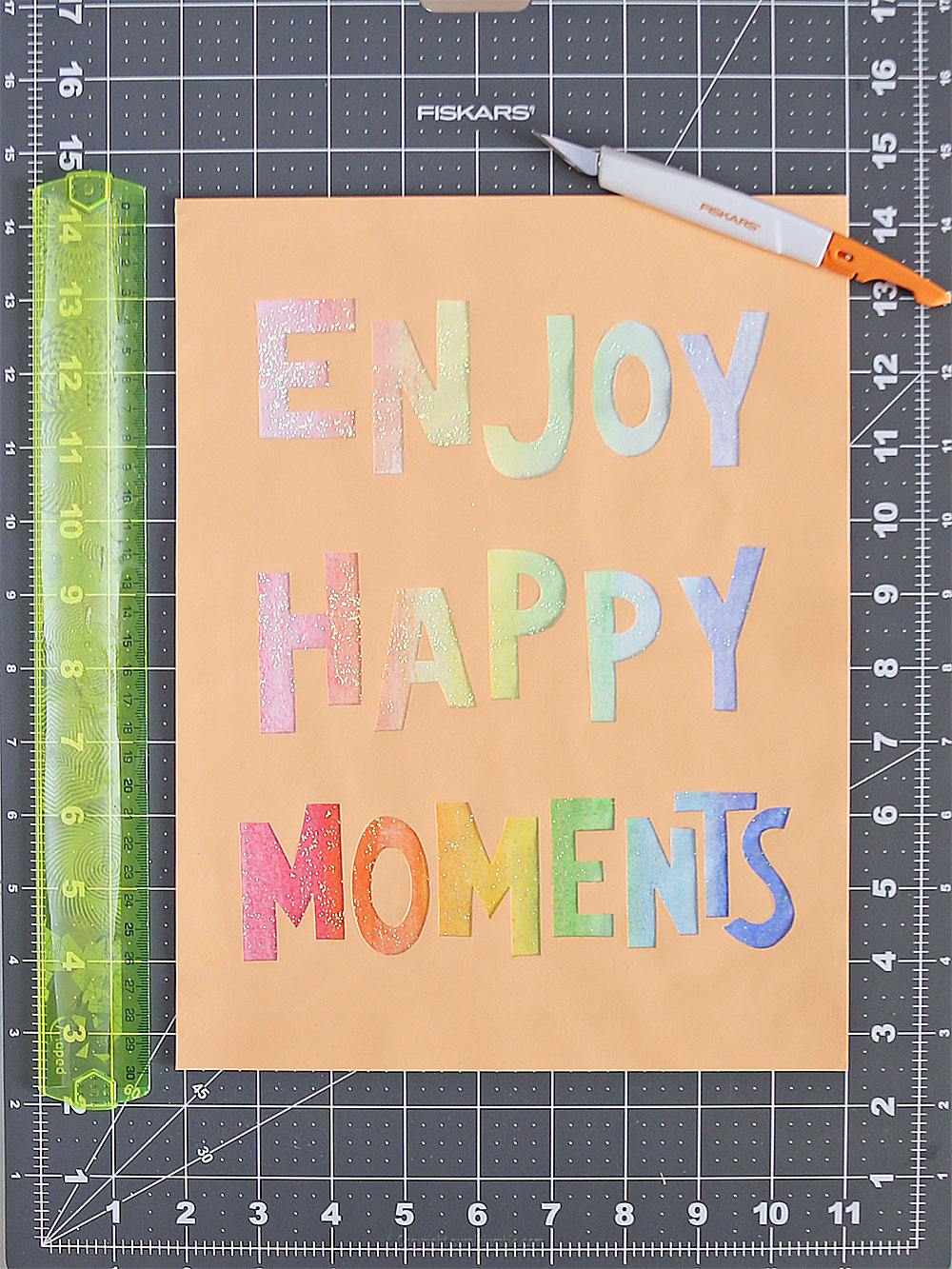 affiche enjoy happy moments collage