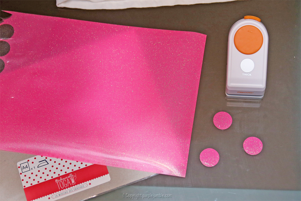 diy customisation t-shirt paillettes étape 1