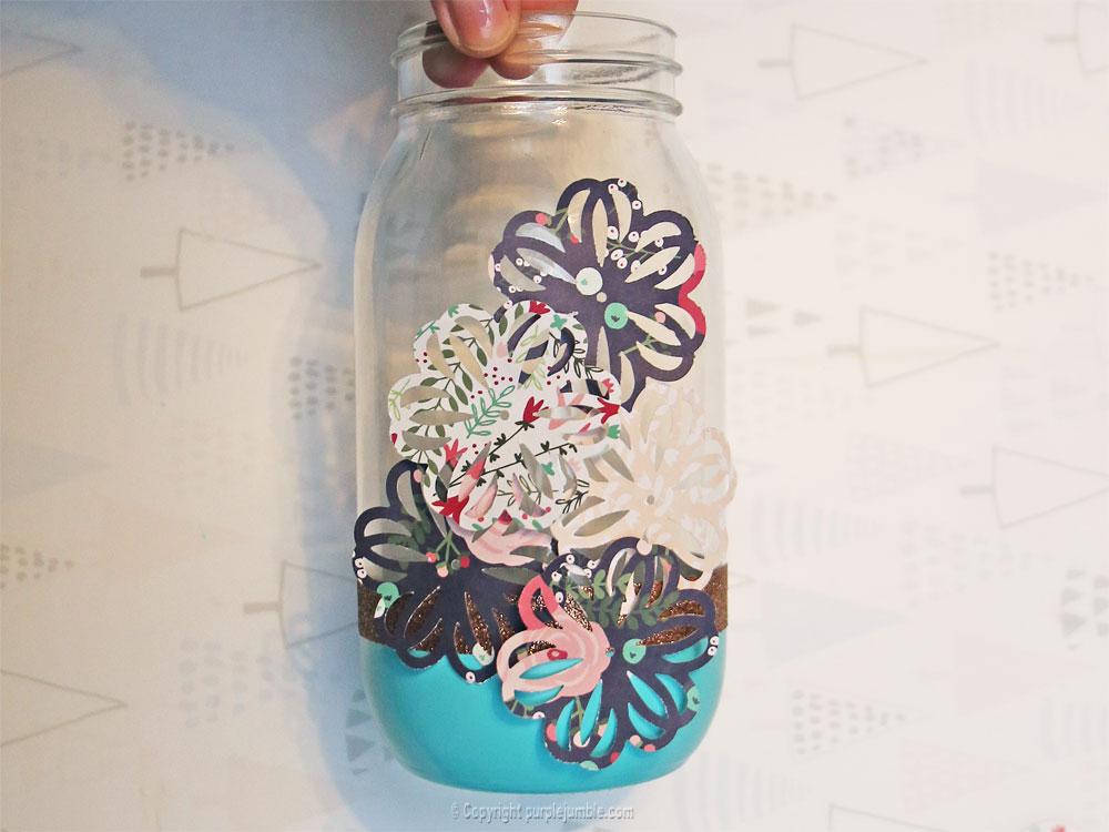 pot en verre décoré bouquet