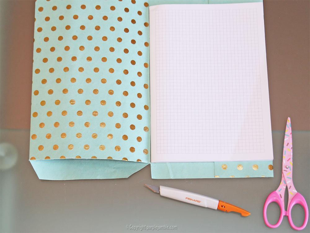 diy toga cahier customisé bordure gauche