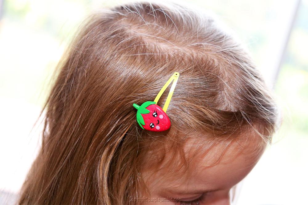 fimo kawaii projet diy fraise barrette