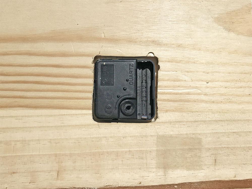 diy étagère bois horloge mécanismes