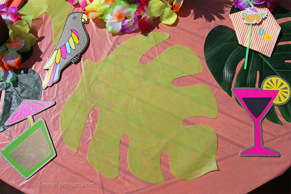 table tropicale vegaooparty feuille monstera