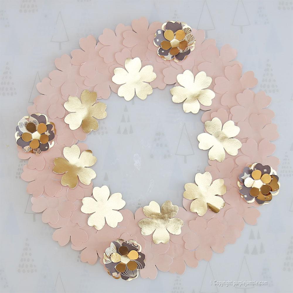 diy couronne fleurs papier noël relief