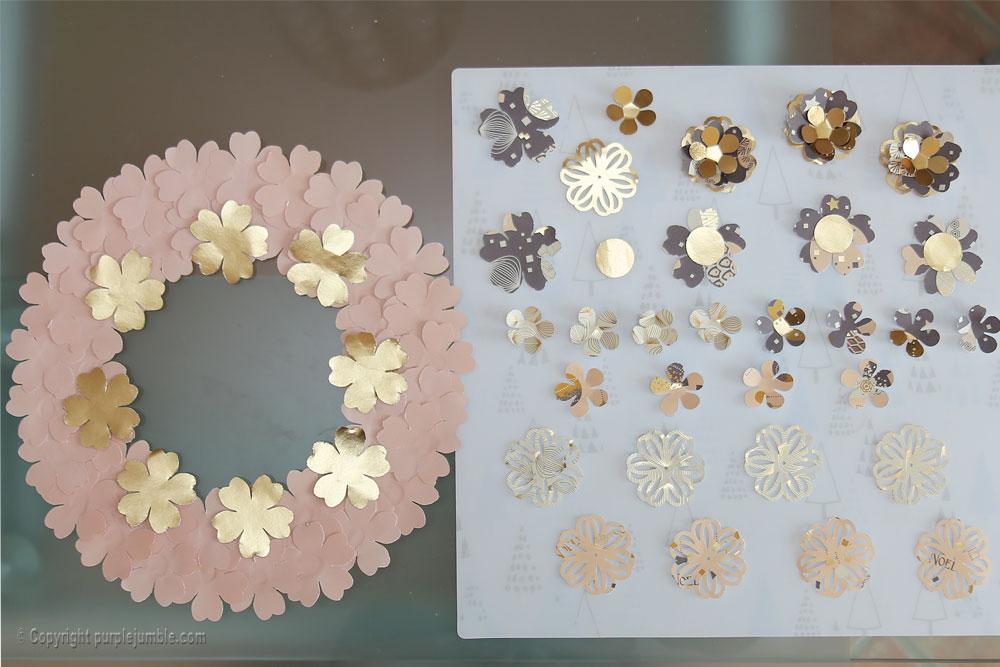 diy couronne fleurs papier noël découpes