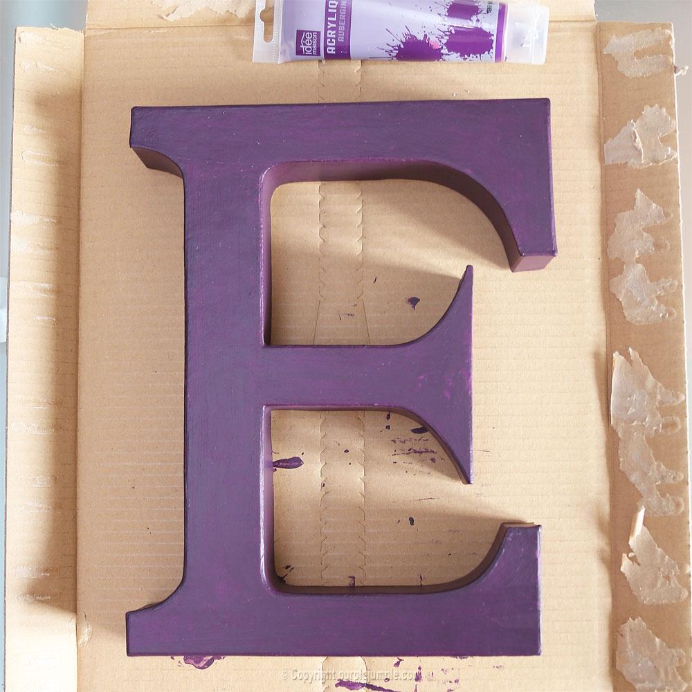 lettre carton peinture galaxie diy violet