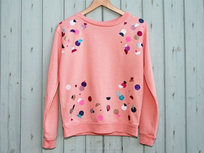 diy sweat customisé ronds paillettes multicolores