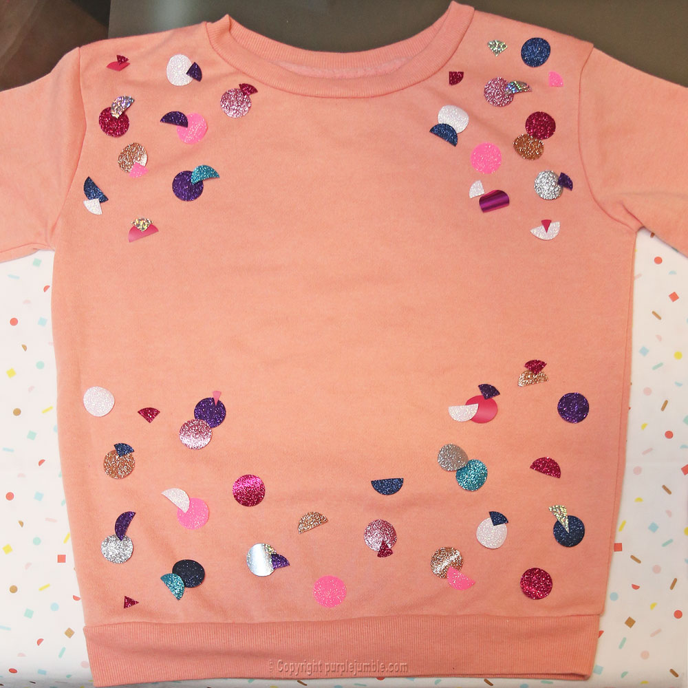 diy sweat customisé ronds paillettes disposition