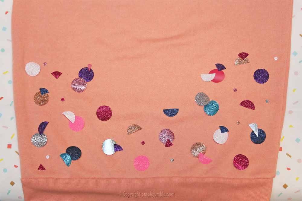 diy sweat customisé ronds paillettes bas