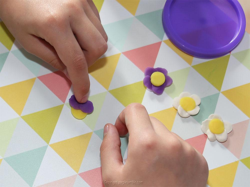 diy pâques 2018 pâte à modeler violet