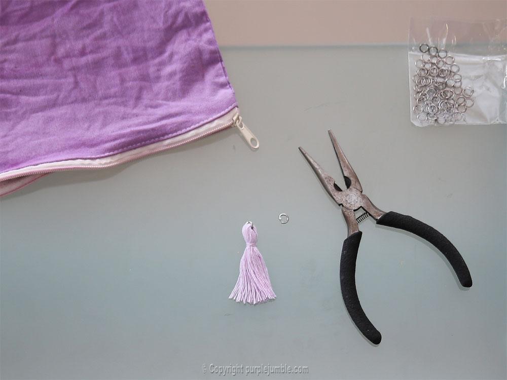diy pochette teinture textile coloria pompon