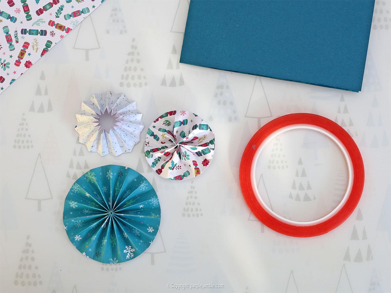diy carte de vœux bleu rosaces shaker box papier
