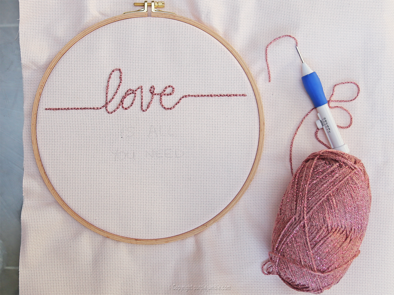 diy cadre punch needle love rose