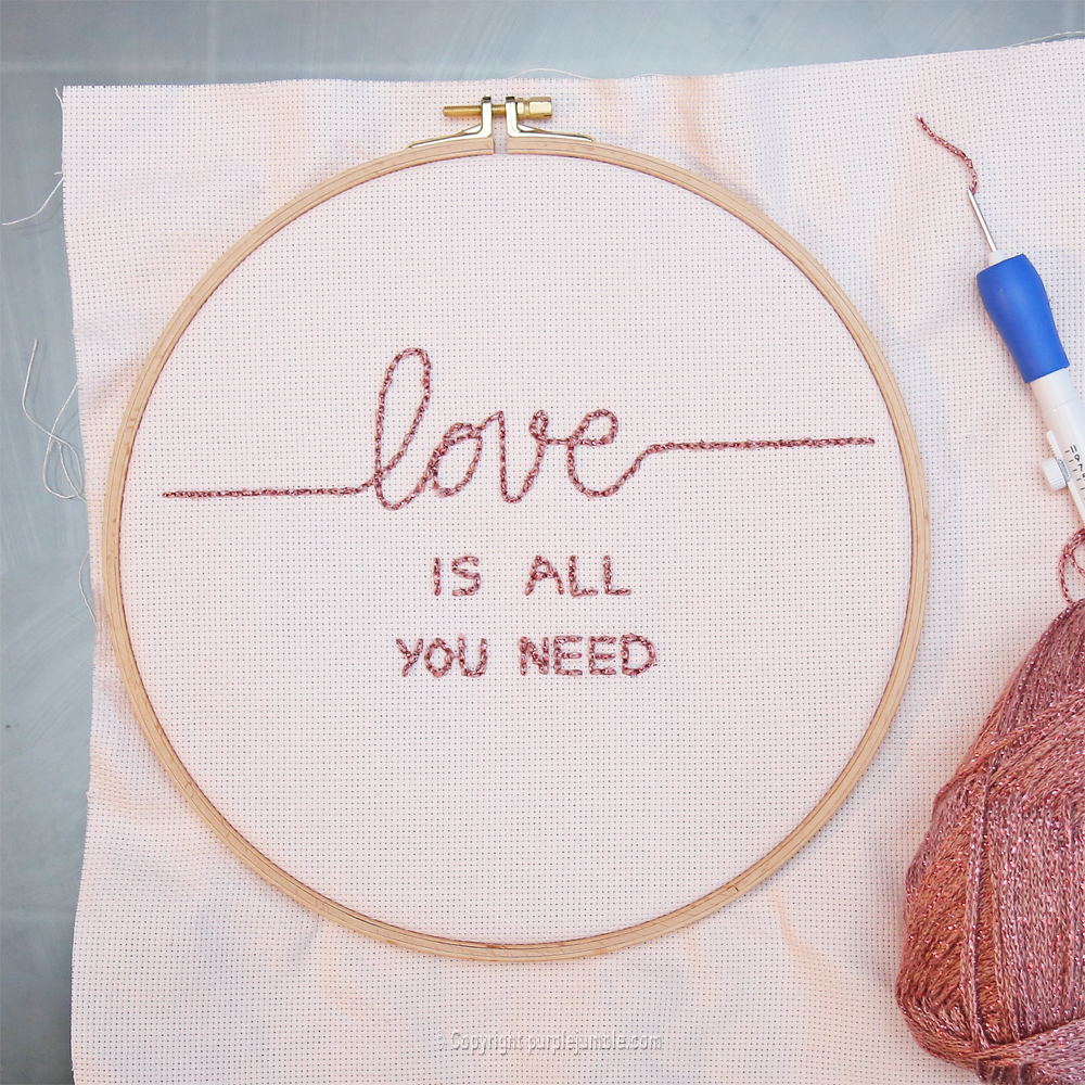 diy cadre punch needle love message