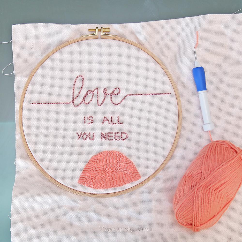 diy cadre punch needle love message laine