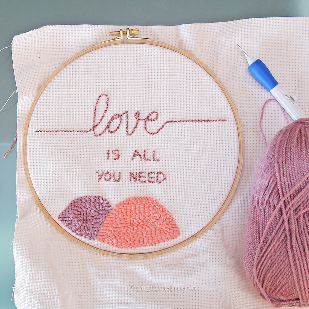 diy cadre punch needle love message broderie