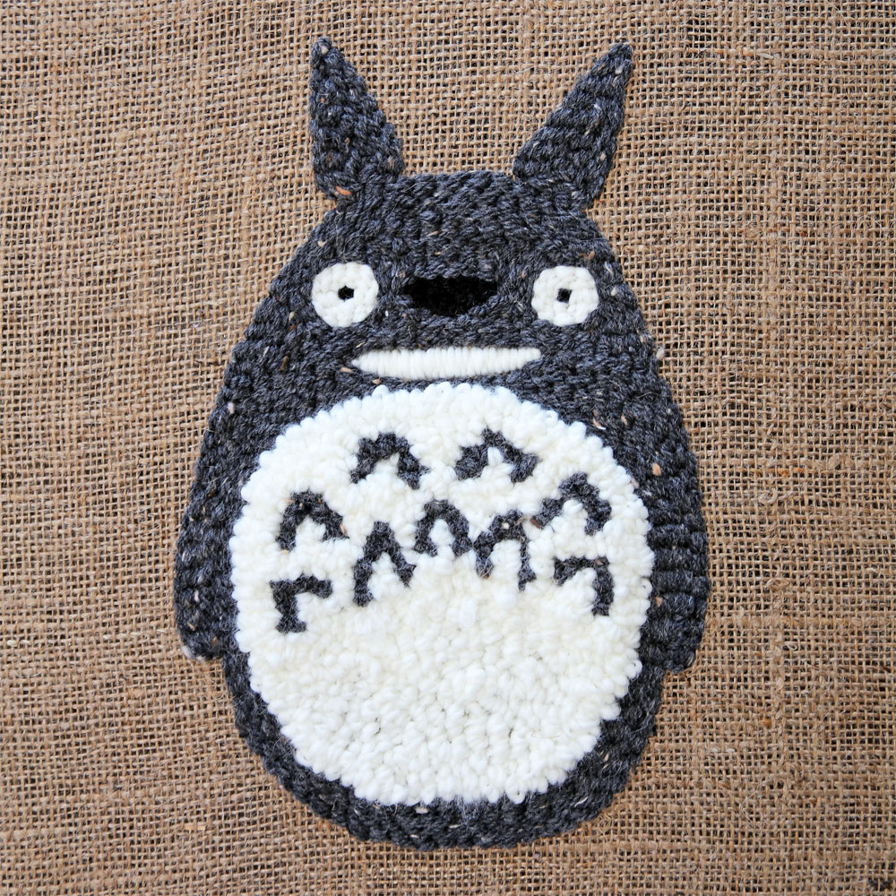 diy coussin punch needle totoro entier