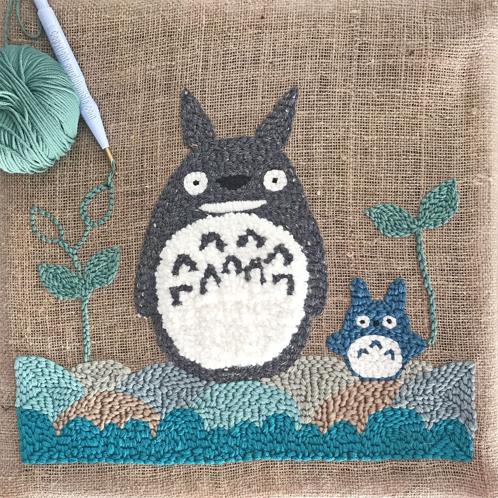 diy coussin punch needle totoro feuillages