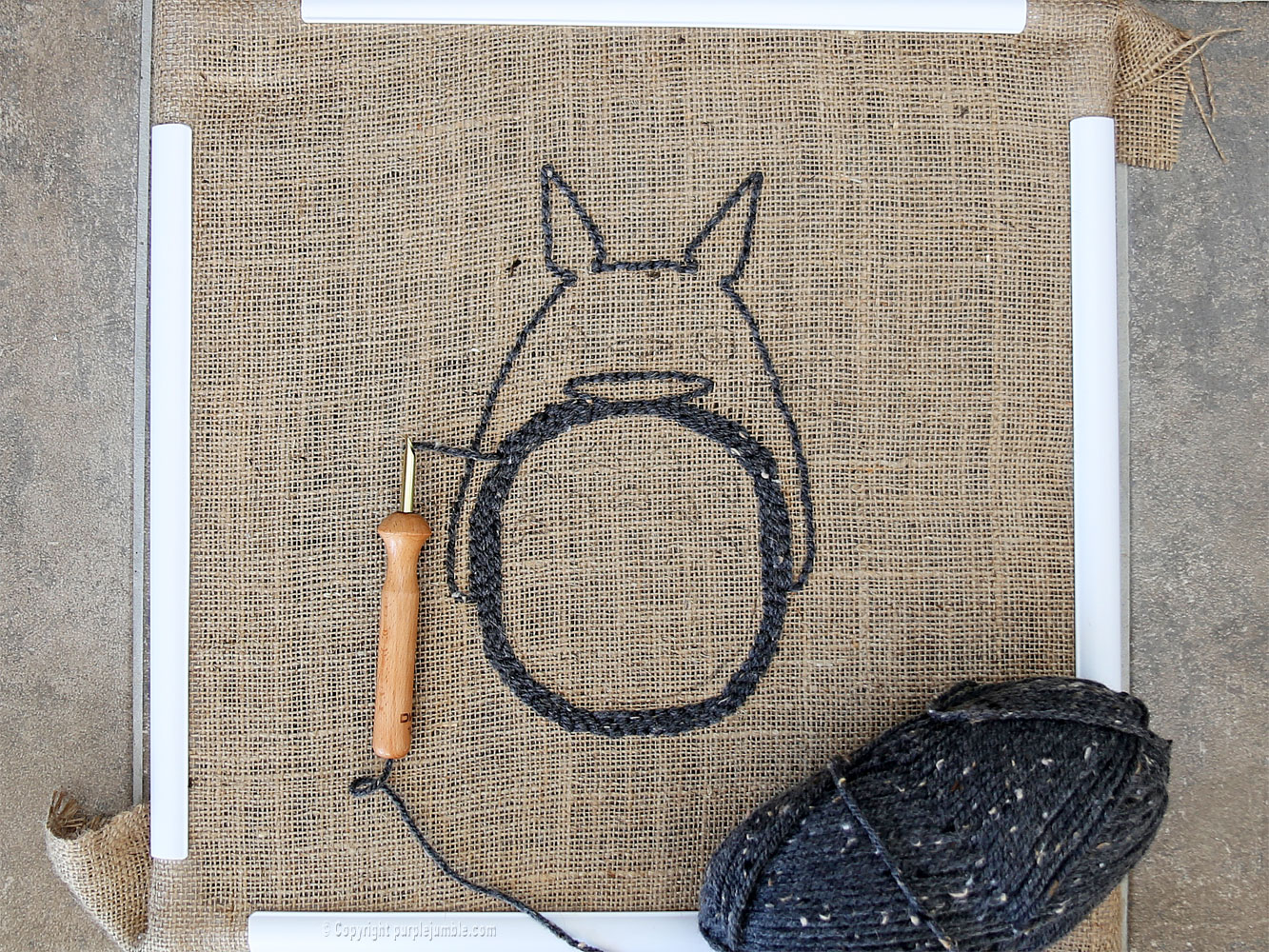 diy coussin punch needle totoro contour