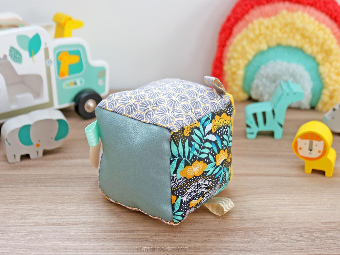 diy kit couture cube éveil détails