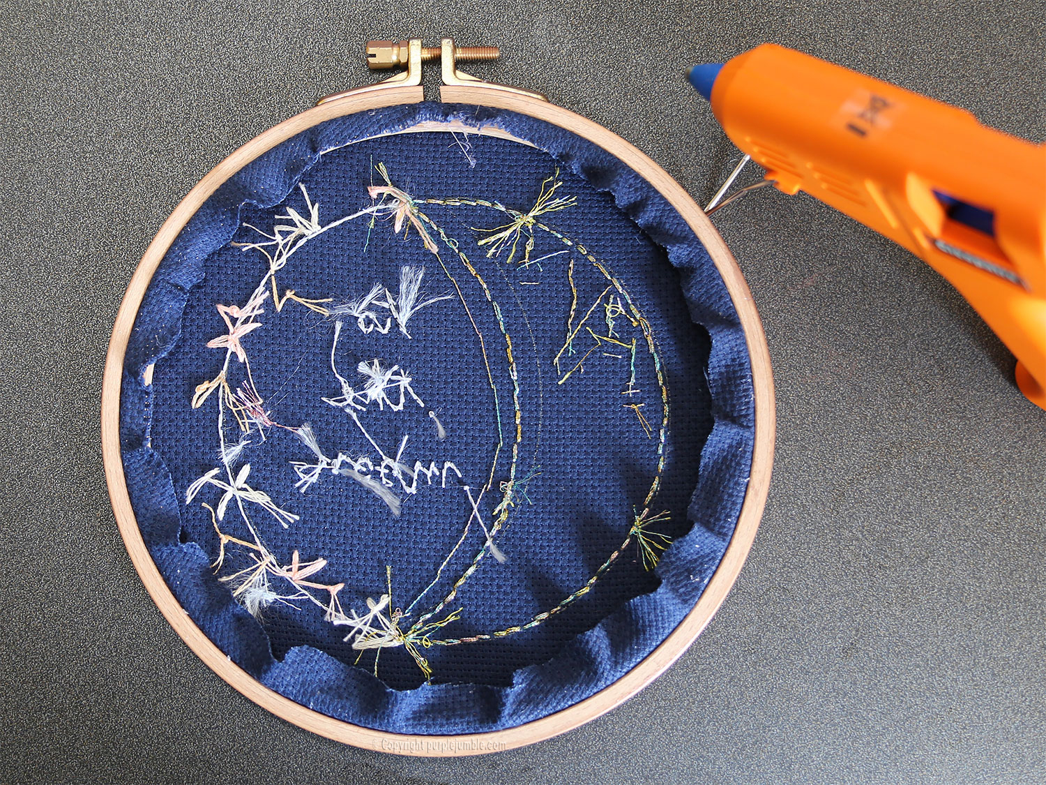 diy broderie lune fleurie dos